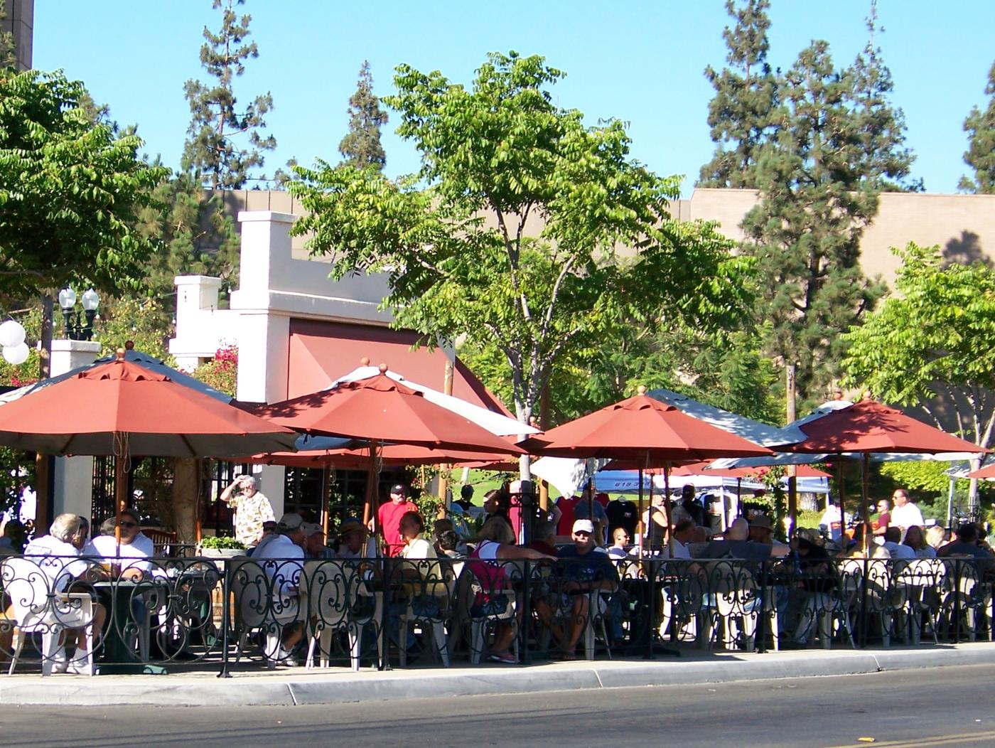 Patrons enjoy outside dining
